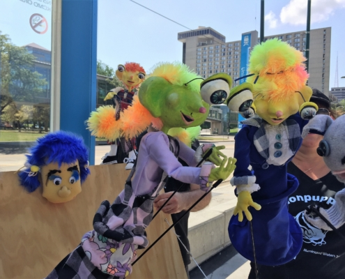 KC Puppets at Play/StoneLion Puppet Theatre – Art in the Loop